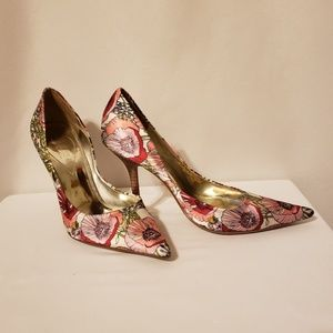 Guess genuine leather silky Floral 8 heels